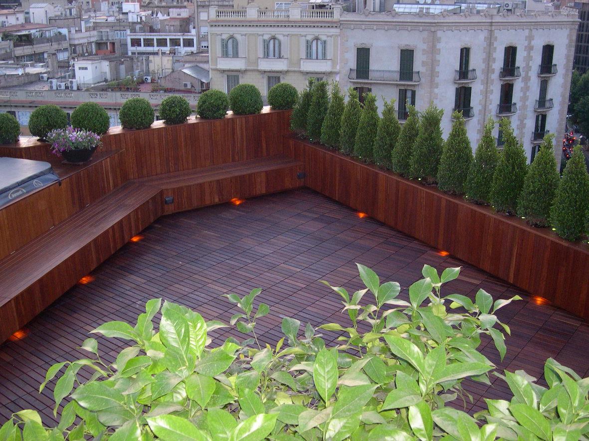 Un altro scorcio del terrazzo con Barcellona sullo sfondo