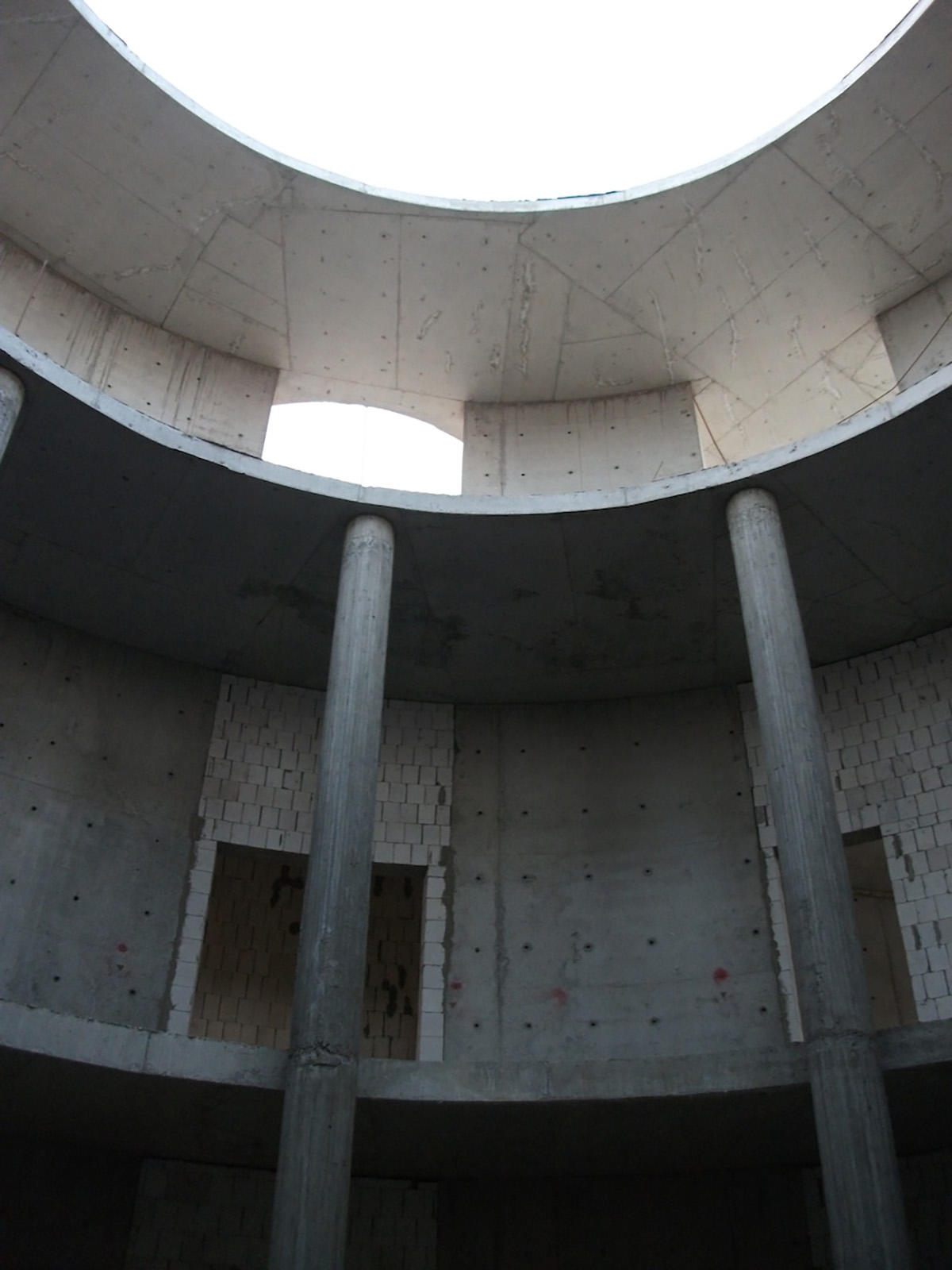 La cupola che copre la hall (durante il primo sopralluogo)